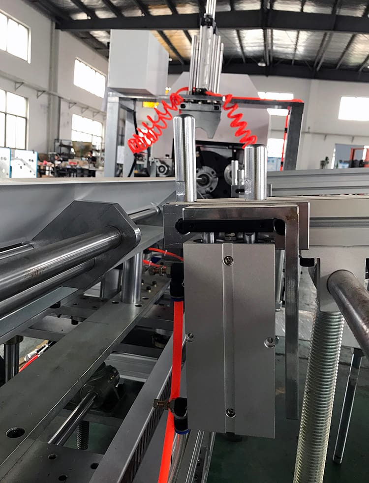JT-SL-2000C-Fully-Automatic-Paper-Core-Cutting-Machine-3