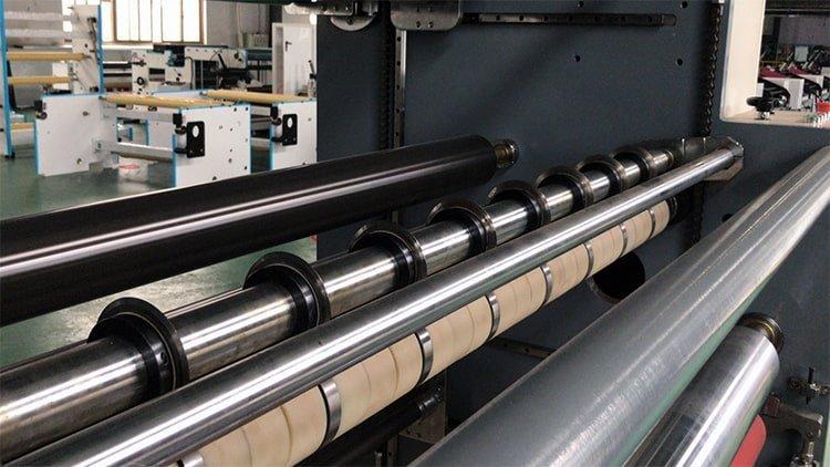 JT-SLT-1300C-non-woven-fabric-slitting-machine-4