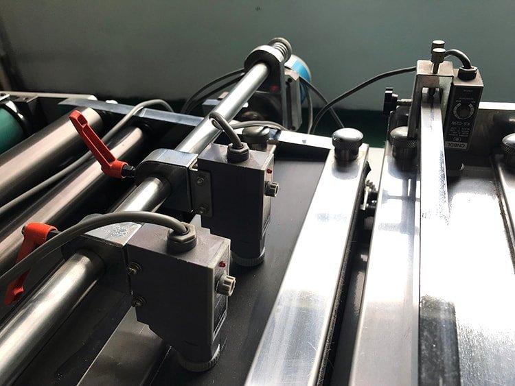 ADC-420 Industrial-Die-Cutting-Machine-4