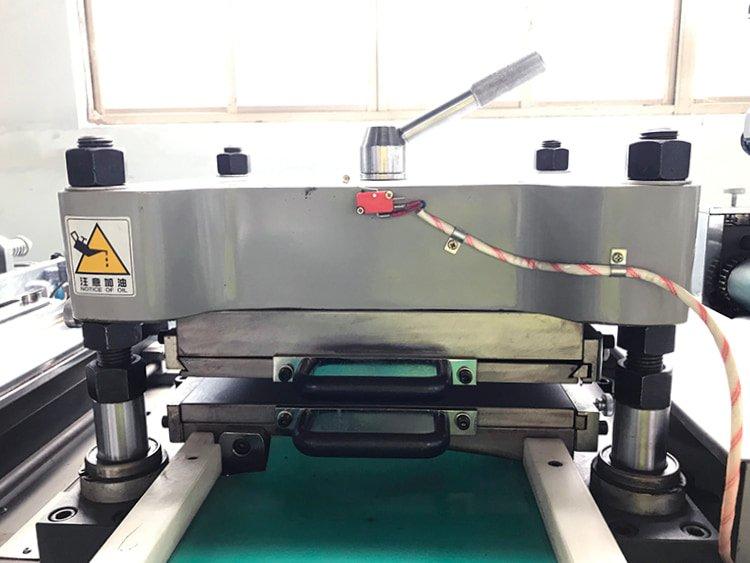 ADC-420 Industrial-Die-Cutting-Machine-6