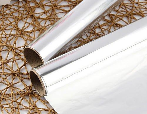 Household-aluminum-foil-roll