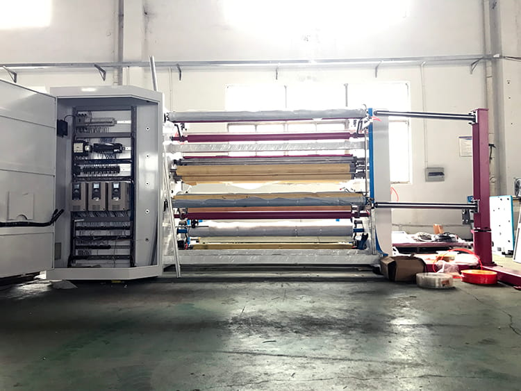 non-woven-fabric-slitting-machine-1